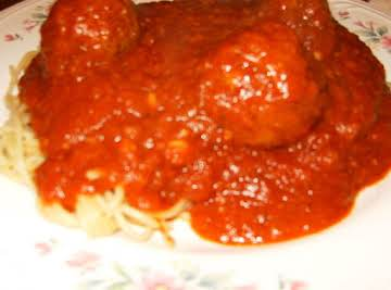 Homemade Italian Spaghetti Sauce and Meatballs