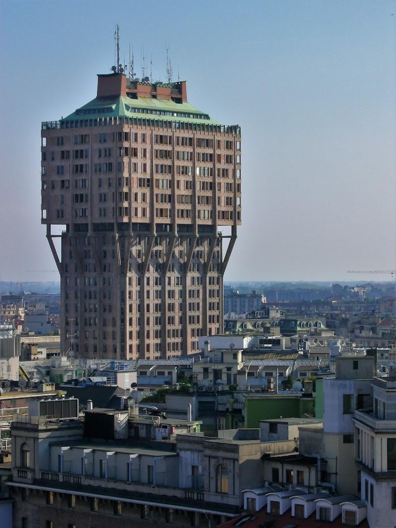 Milano - Torre Velasca di dan