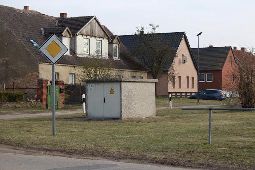 Der Trafo in Schönfeld wurde heute gewartet. (Bild A.M.)