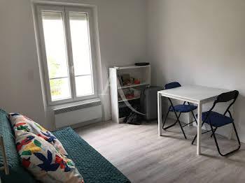Studio meublé 13,61 m2