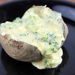 Baked Potato with Broccoli Cheese Sauce