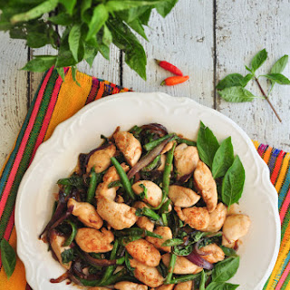 Thai Sautéed Chicken With Basil Leaves