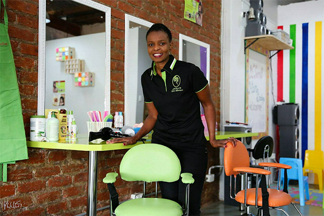 Co-owner in EXTeenS Hair Boutique in Richmond Hill, Thandi Bosi, 44