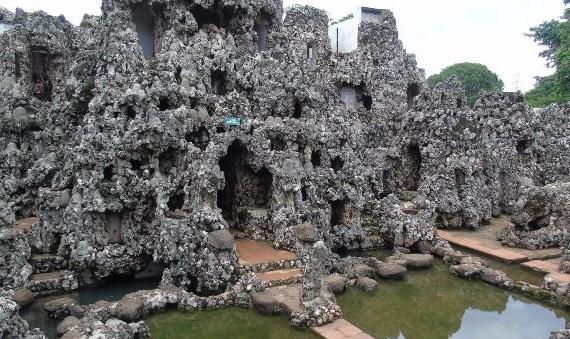 taman sari gua cirebon