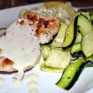 Pork Chops with Zucchini and Spicy Yogurt Sauce