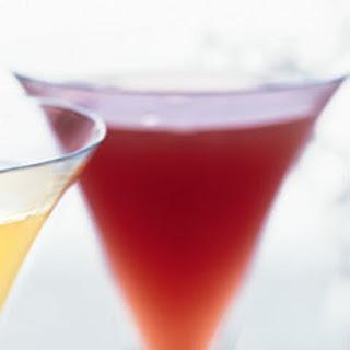 Pomegranate-Ginger Champagne Cocktail