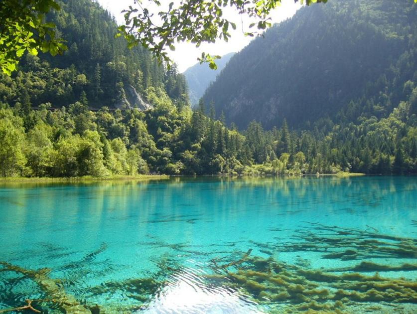 Hồ nước Blue Lake