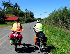 Photo: (Year 2) Day 354 - Dee and Maurice on the Route