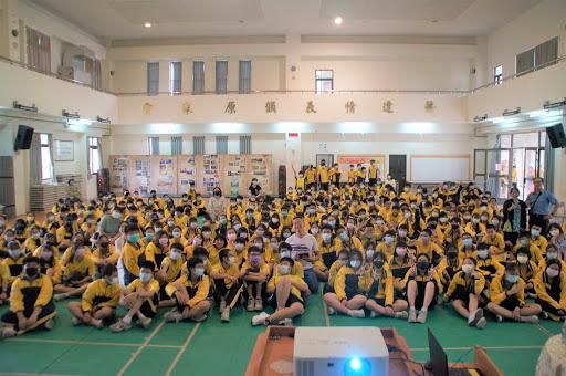 4月22日 八年級活動 作家現身褚士瑩講座(另開新視窗)