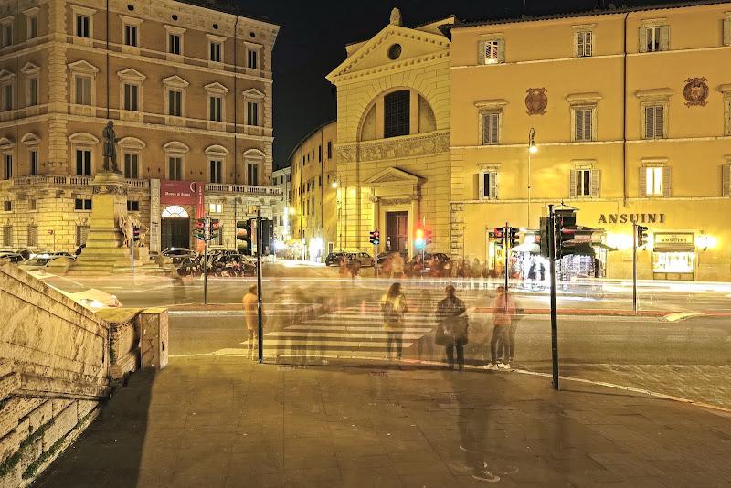 Anime vaganti a Corso Vittorio di lugiube