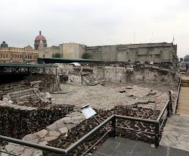 Photo: Arkelogisia kaivauksia (azteekkien Temple Mayor) kaupungin keskustassa - tässä kaupungissa historiaa riittää moneen kerrokseen