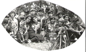 Photo: Obóz Hufca Gąski 1983 r. Od Lewej: Krystyna Pielech (Kołos), dh. Bożena Sarnecka, ..., Małgorzata Bojar, Ewa Kwaśnicka, Krzysztof Pasek,...., Irek Przybyszewski, Ewa Brzozowska, Andrzej Rabek, Jacek Kuch, Grażyna Telacka, Barbara Popowska.
