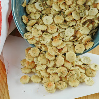 Garlic Dill Oyster Crackers