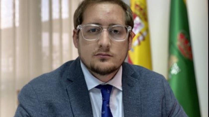 El alcalde del municipio, Ismael Gil.