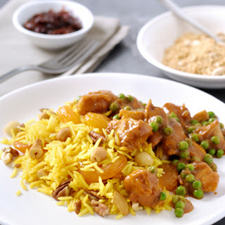 Kerrie kip met Indiase rijst met nootjes en abrikozen