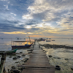 Dove Jetty , Jelutong Expressway. by Ah Wei (Lung Wei) - Landscapes Sunsets & Sunrises ( clouds, shore, water, sunrises, george town, tokina 11-16mm f2.8, dove jetty, malaysia, penang island, landscape, my, nikon d7000, jelutong fishermen wharf, george town penang, ah wei (lung wei), pulau pinang, blue, sunsets, sunset, jelutong expressway, penang, tokina 11-16mm, long exposure, sunrise, nikon, tokina )