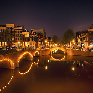 Amsterdam at night.jpg