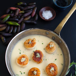 Seared Scallops with Finger Lime Beurre Blanc