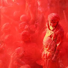 Stand Alone by Vinod Chauhan - People Street & Candids ( joy, colors, nandgaon, happiness, holi, people, barsana )