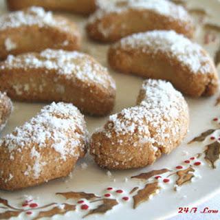 Amaretto Snowfall Cookies.