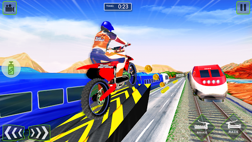 Tricky Bike Stunt vs Train Racing Fun apklade screenshots 1
