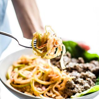 "QUICK Spiralized Apple ""Kimchi"" Salad with Garlic Beef (Paleo)"
