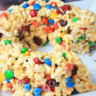 M&M Marshmallow Popcorn Cake