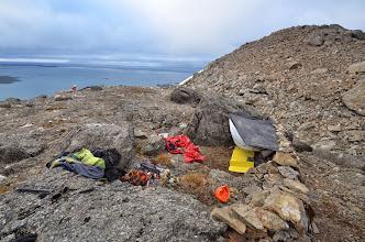 Photo: Notre campement de fortune pour remplacer le camp de base détruit par l'attaque des ours