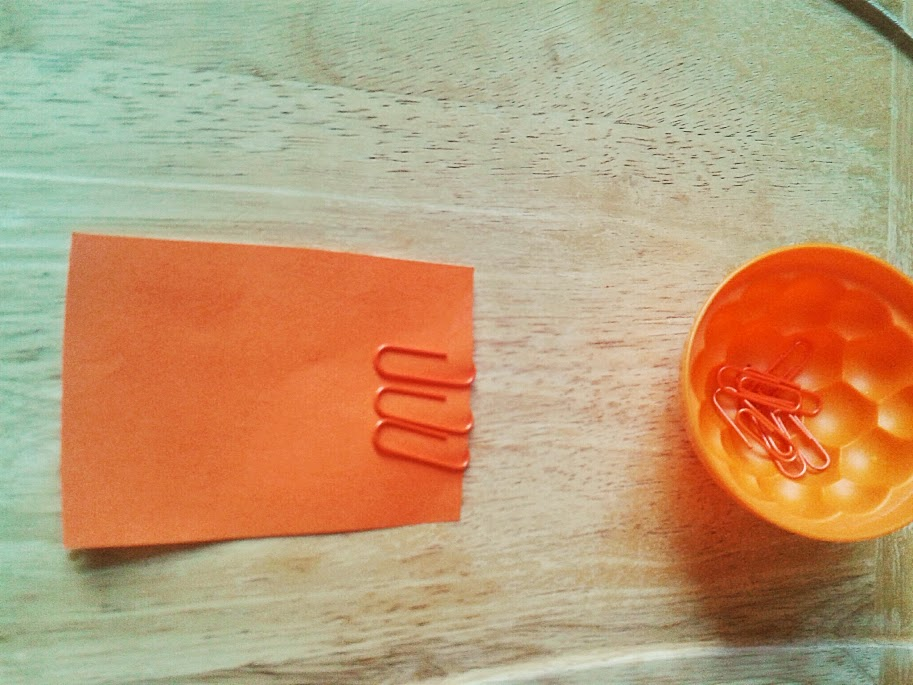 Welcome to Mommyhood: paperclip fine motor activity