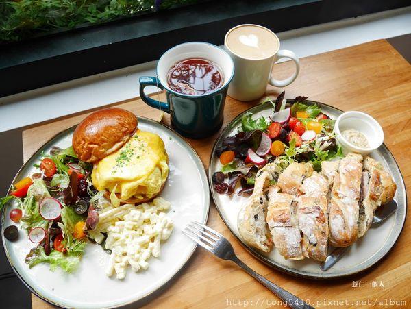 DORE多爾法式烘焙坊 二訪內用篇 早午餐真的好吃.麵包包雞腿好厲害,髒髒可芬則讓我驚豔