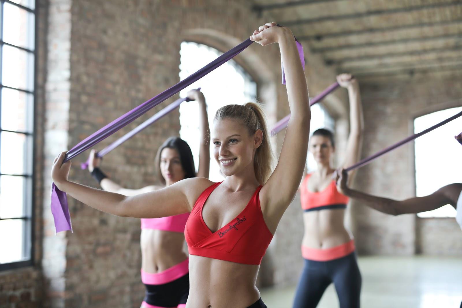 3-donne-che-si-allenano