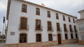 Fachada del Ayuntamiento de Albox, donde ha ocurrido el suceso.