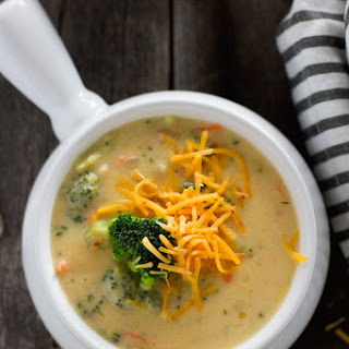ˆCreamy Broccoli Cheese Soup
