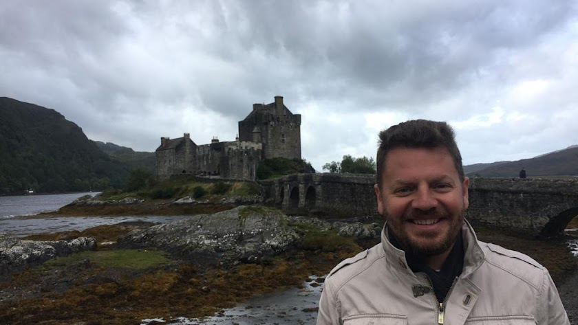José Vélez durante un viaje a Escocia.