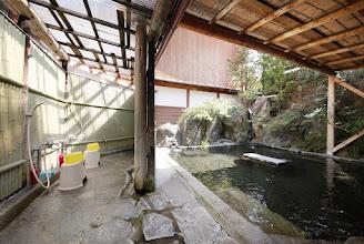 Photo: 露天風呂 シャワーも写ってるバージョン1 outside onsen