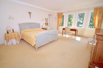 Maison 16 pièces 402 m2