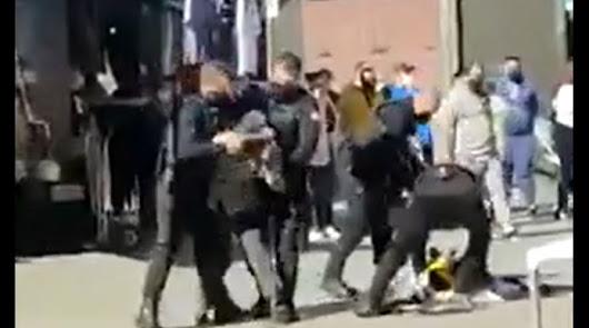 "Políticos andaluces denuncian la ""agresión"" de 6 policías a un hombre en Almería"