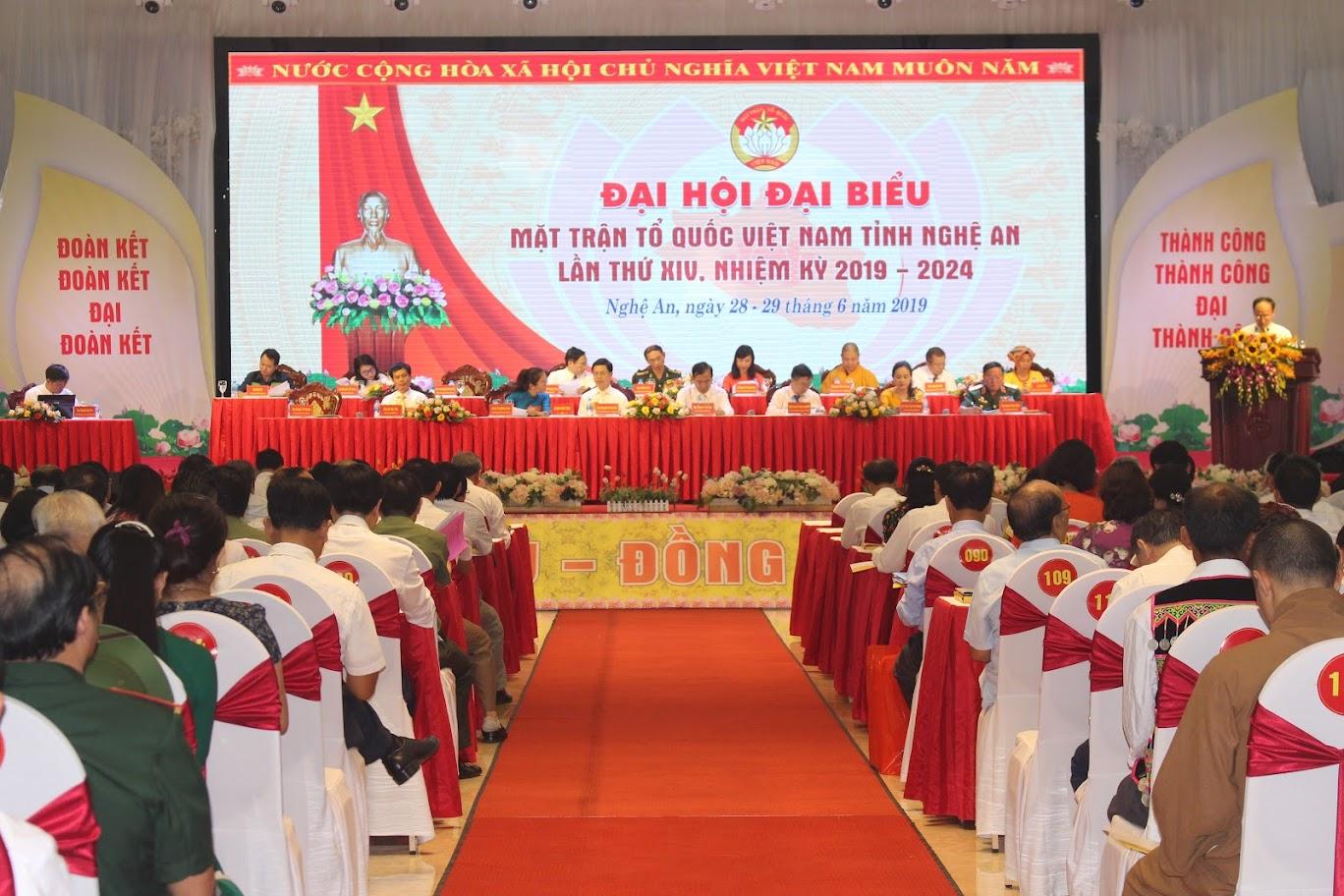 Toàn cảnh phiên khai mạc Đại hội Đại biểu Việt Nam tỉnh Nghệ An lần thứ XIV, nhiệm kỳ 2019-2024.