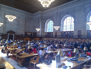 Photo: De leeszaal van de bibliotheek