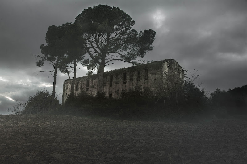 distruzione +abbandono= formula italiana  di Il_pirata_curioso
