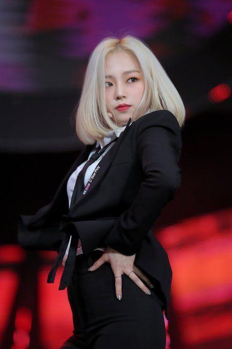 yeeun suit 47