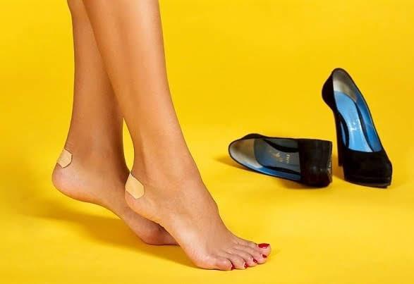 8 cách đi giày cao gót không đau chân cho các cô nàng công sở