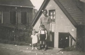 Photo: Neeltje, Nel en Dick den Breejen.