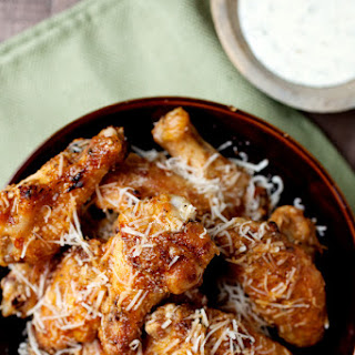 Garlic Parmesan Grilled Chicken Wings