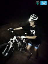 Photo: En alguns llocs toca empenya la bicicleta