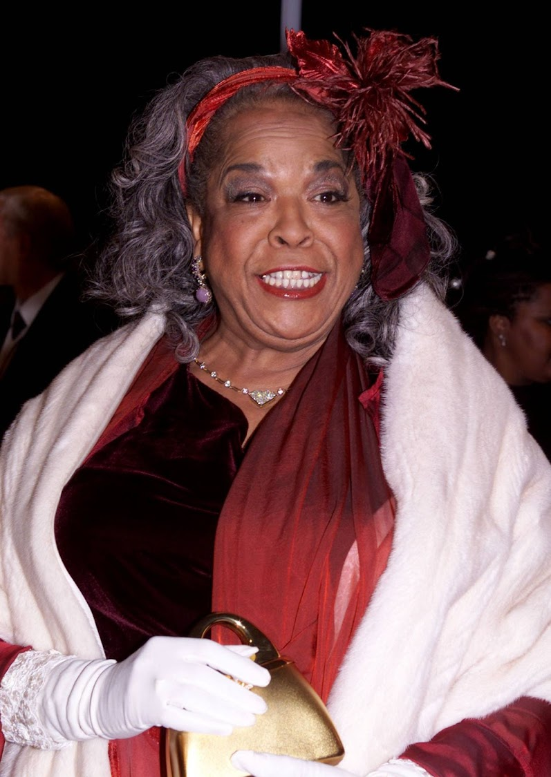 Actress Della Reese arrives at the National Association for the Advancement of Colored People's (NAACP) Image Awards in Pasadena, California, U.S., February 12, 2000.