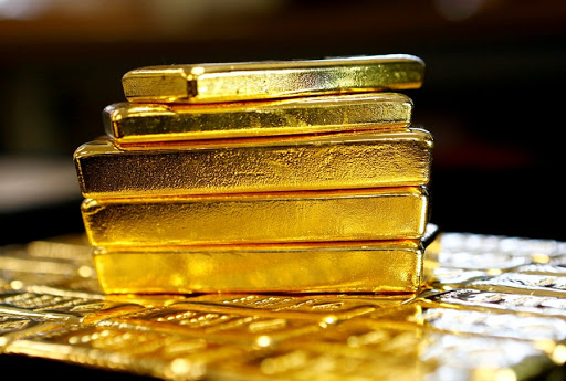 Gold inches higher amid hopes of a US rate cut