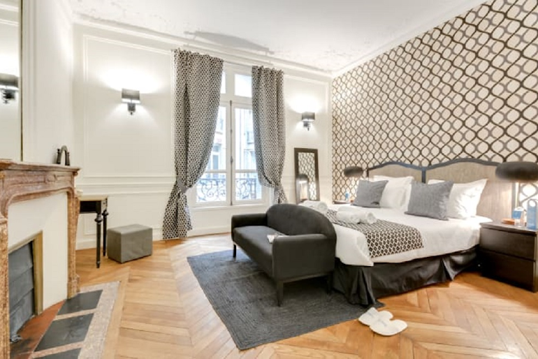 Luxury bedroom at Boetie IV Serviced Apartment, Champs Elysees