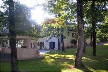 villa à Saint-Viance (19)