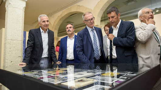 El ministro José Guirao inaugura la exposición 'Campos de Níjar' en el CAF